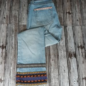Vintage Guess Boho Embroidered jeans sz 27